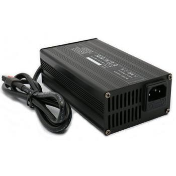 Vol automatische LiFePO4 accu lader 24V 12Ah van NRG